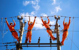 EVN nói giá điện tăng cao do... người dân dùng nhiều