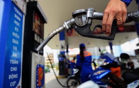 Giá xăng giảm còn hơn 11.000 đồng/lít
