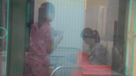 Sản phụ sinh bé gái trong khu cách ly đã được xuất viện