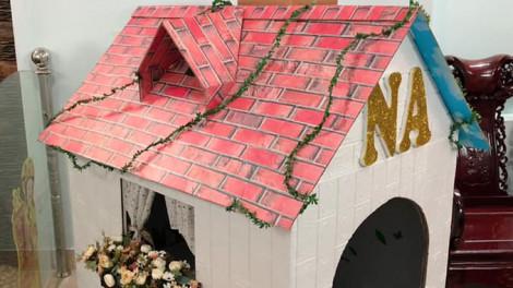 Mẹ dựng nhà carton siêu dễ thương cho con gái chơi ngày nghỉ dịch