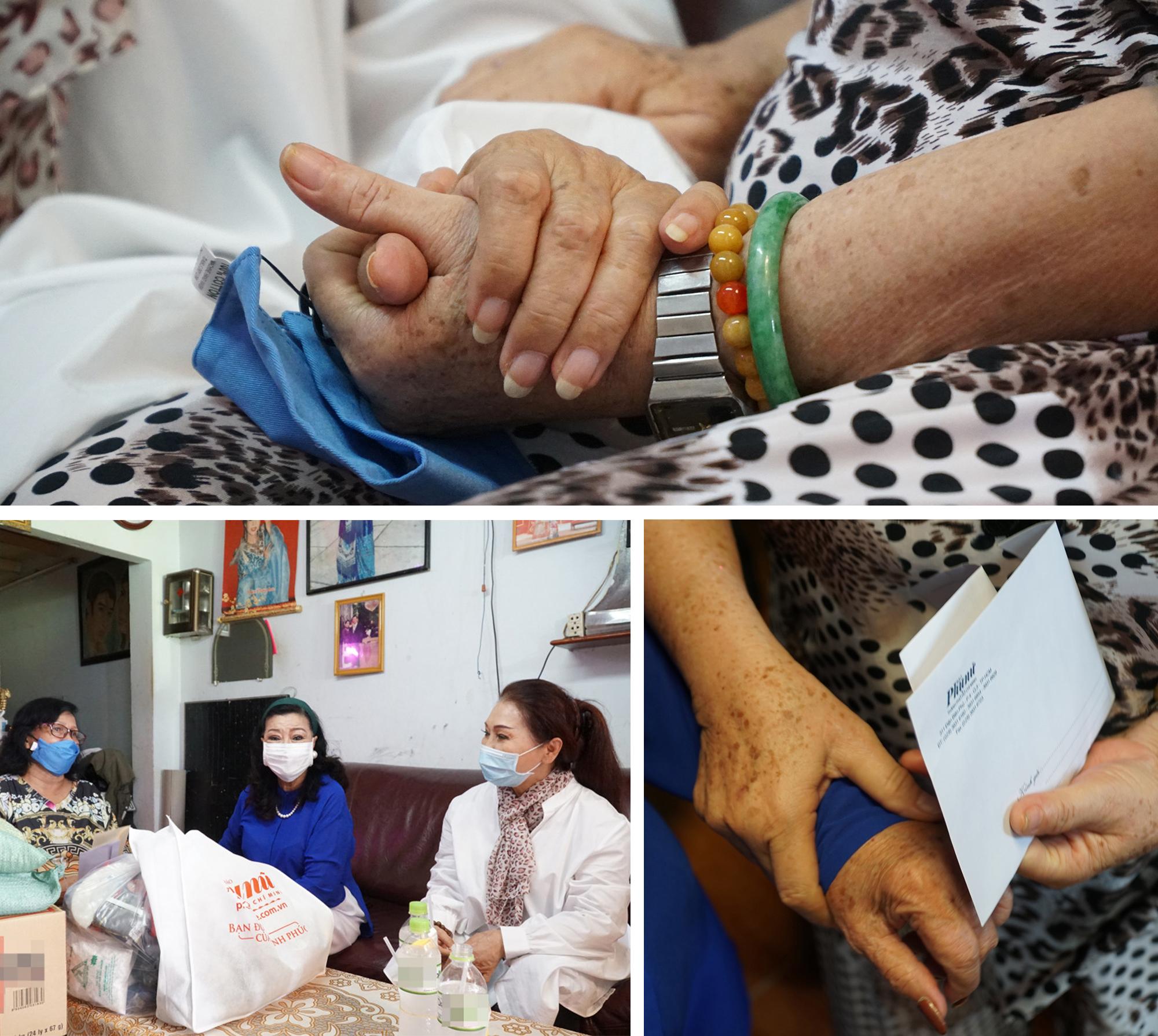 Cái bắt tay ấm áp san sẻ yêu thương trong mùa dịch bệnh. Nghệ sĩ Hồng Hạnh cho biết, bà rất vui mừng khi nhận được sự hỗ trợ kịp thời này để vượt qua giai đoạn khó khăn.