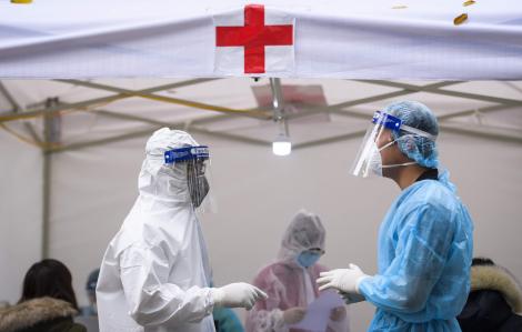 Bệnh viện Việt Đức nói gì về tin đồn có nhân viên y tế quê ở Hạ Lôi nhiễm COVID-19?