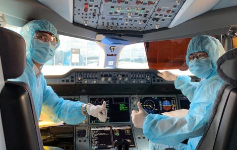 Phi công Vietnam Airlines mắc COVID-19 bắt đầu nhận biết xung quanh