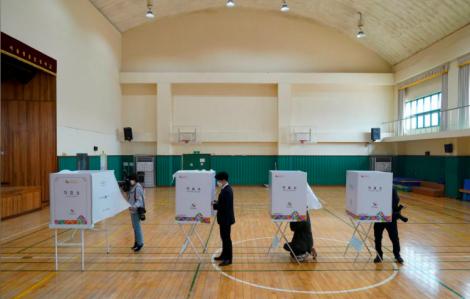 Người Hàn Quốc bầu cử quốc hội ra sao giữa đại dịch COVID-19?