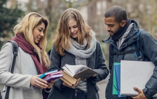 Nhiều đại học Mỹ hủy bỏ hoạt động tại giảng đường cho đến cuối năm 2020