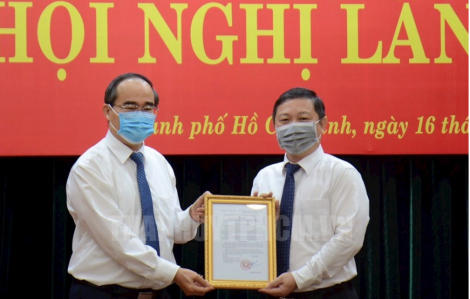 Tân Phó chủ tịch UBND TPHCM nhận nhiệm vụ