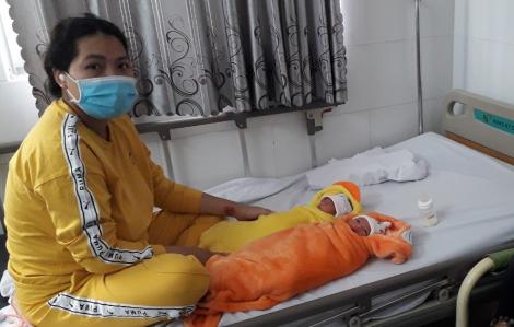 Thai phụ bất ngờ vỡ ối sinh 2 bé gái khi trên đường lên Sài Gòn khám thai