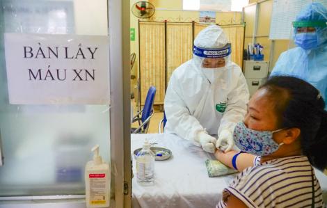 Hà Nội làm xét nghiệm nhanh cho hàng trăm tiểu thương ở các chợ đầu mối