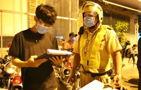 CSGT TPHCM đuổi bắt thanh niên chạy xe máy với tốc độ 140km/h
