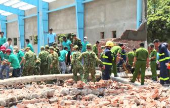 Đề nghị truy tố 4 bị can liên quan vụ sập tường 7 người chết ở Vĩnh Long