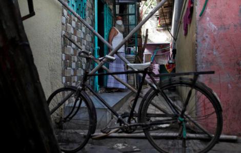 Cuộc sống ở khu ổ chuột lớn nhất châu Á trong dịch COVID-19