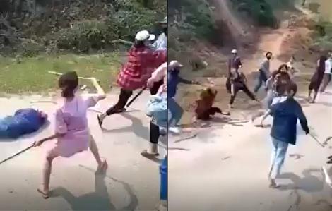 Hàng chục cô gái hỗn chiến bằng gậy gộc