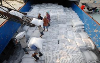 """Bộ Công Thương, Bộ Tài chính """"đấu khẩu"""" về xuất khẩu gạo"""