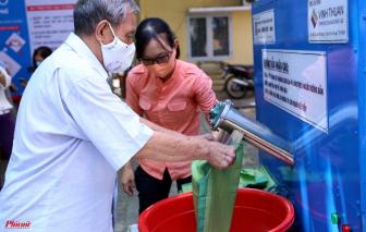 """Hội Nhà báo TPHCM tặng 3 máy """"ATM gạo"""""""