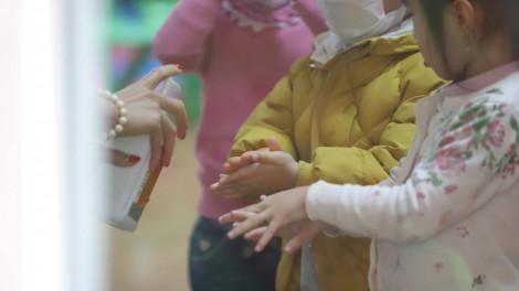 Bộ Y tế xây dựng bộ hướng dẫn cách xử lý cho các trường khi đi học trở lại