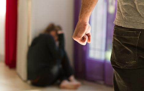 Nhật Bản: Bạo lực gia đình tăng trong mùa dịch