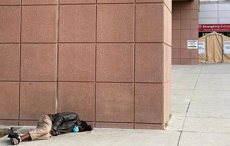 1/4 người vô cư ở các nhà trú ẩn tại Mỹ nhiễm COVID-19