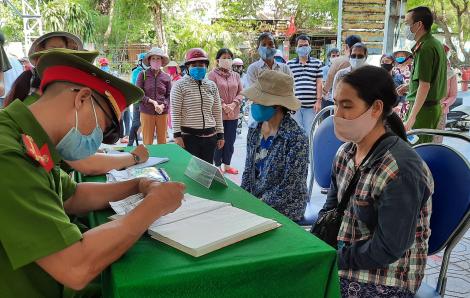 Quảng Nam phân phối nhu yếu phẩm dự trữ tại các khu cách ly COVID-19 cho người nghèo