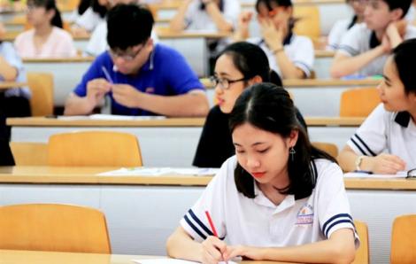 """Sau """"lệnh"""" kỳ thi quốc gia chỉ xét tốt nghiệp, thí sinh ồ ạt đăng ký thi đánh giá năng lực tìm đường vào đại học"""