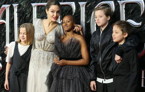 """Angelina Jolie: """"Cha mẹ hoàn hảo - điều không dễ dàng"""""""