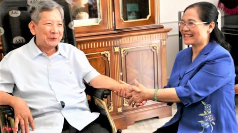 Lãnh đạo TPHCM thăm tướng lĩnh, Mẹ Việt Nam anh hùng, nhân sĩ trí thức
