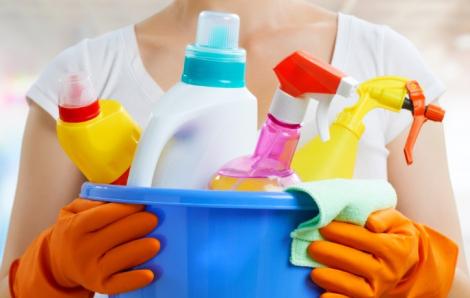 Hàng loạt trẻ em Mỹ ngộ độc chất khử trùng trong dịch COVID-19