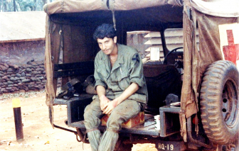 Trò chuyện với nhà văn cựu binh Mỹ Marc Levy
