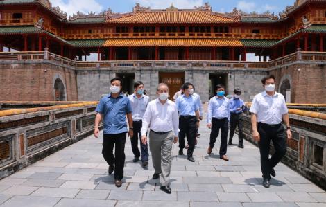 Hoàng cung xứ Huế nhộn nhịp ngày đầu đón du khách tham quan miễn phí