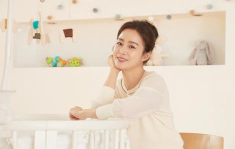 """Kim Tae Hee: """"Bi Rain không thể xem phim tôi đóng vì quá buồn"""""""