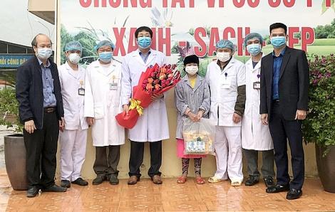 Thiếu nữ người Mông mắc COVID-19 chính thức khỏi bệnh
