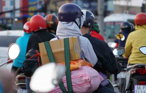 Sợ kẹt xe, người dân khăn gói trở lại Sài Gòn dù kỳ nghỉ chưa kết thúc