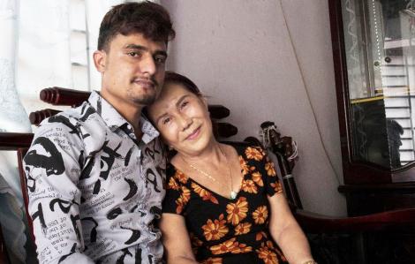Chuyện tình chàng trai Pakistan và bạn gái… lớn hơn 40 tuổi
