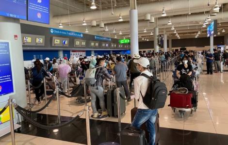 Gần 300 công dân Việt Nam kẹt ở UAE trở về nước an toàn