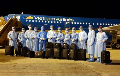 Vì sao chuyến bay đưa người Việt từ Mỹ về chưa thể cất cánh?