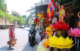 Phố lồng đèn nổi tiếng ở Huế ế đến không ngờ trong mùa Phật đản