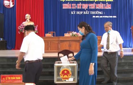 Bãi nhiệm chức Phó chủ tịch hội đồng huyện không đeo khẩu trang, chống đối khi bị kiểm tra COVID-19