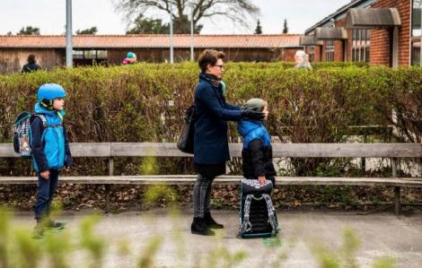 Vì sao phụ huynh Đan Mạch từ chối cho con đến trường lúc này?