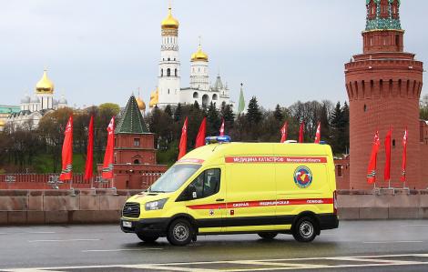 Lo ngại điều kiện làm việc của y, bác sĩ sau vụ 3 bác sĩ Nga rơi từ cửa sổ bệnh viện