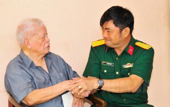 Bộ Tư lệnh TPHCM thăm các cựu chiến binh tham gia chiến dịch Điện Biên Phủ