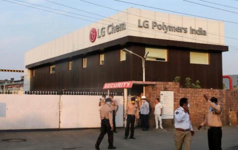 9 người chết, cả làng ngộ độc khí ga từ nhà máy hóa chất của LG ở Ấn Độ