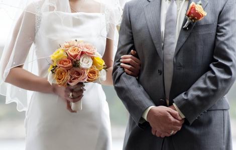 Kết hôn, sinh con: Chuyện không phải của… độ tuổi