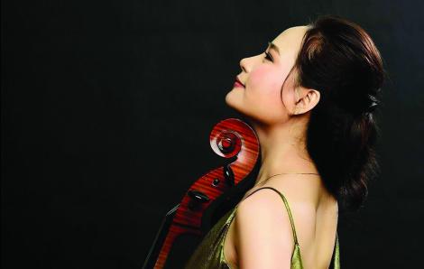 """Tiến sĩ âm nhạc Đinh Hoài Xuân: """"Tôi còn nợ mình và nợ người"""""""