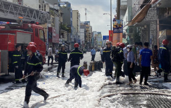 Cháy quán cơm giữa trung tâm Sài Gòn, 4 người bị bỏng