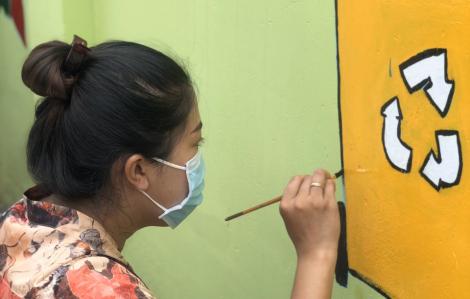 Hoạ sĩ vẽ tranh đường phố... bất đắc dĩ