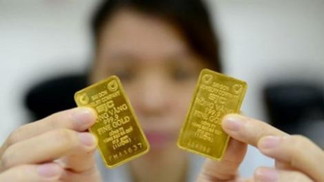Nâng giá mua vào lên cao, các doanh nghiệp muốn gom vàng?