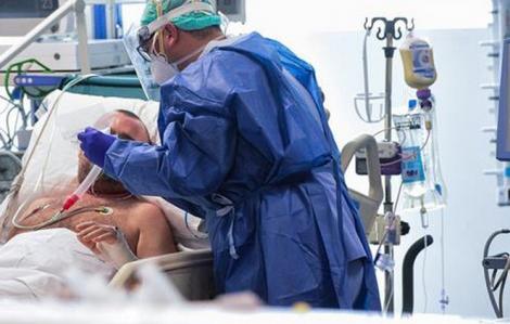 Lên phương án ghép phổi cho phi công Vietnam Airlines mắc COVID-19 đang nguy kịch
