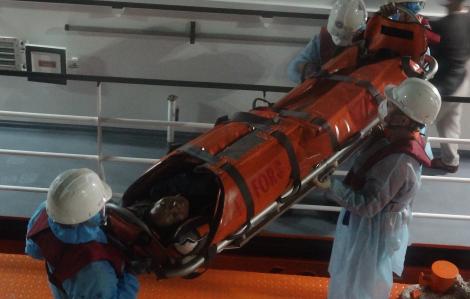 Cứu sống một ngư dân bị tai biến nặng ở vùng biển phía nam quần đảo Hoàng Sa