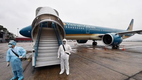 Số ca mắc COVID-19 tăng lên 324, có 2 tiếp viên Vietnam Airlines
