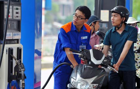 Giá xăng tăng 600 đồng/lít sau 8 lần giảm liên tiếp