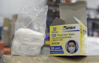"""""""Khẩu trang rởm"""" của Trung Quốc đến tay các nhân viên y tế tuyến đầu ở Mỹ"""